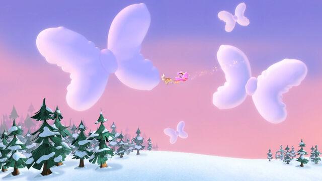 File:Clouds shaped like bows.jpg