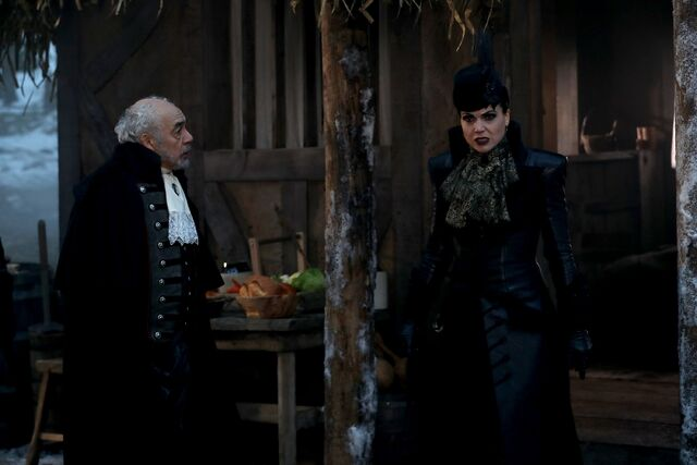 File:Once Upon a Time - 6x14 - Page 23 - Photography - Evil Queen and Valet.jpg