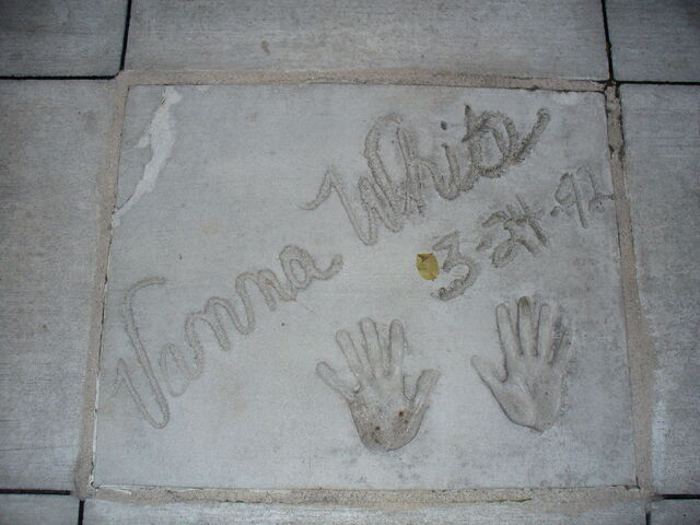 File:Vanna handprints.jpg