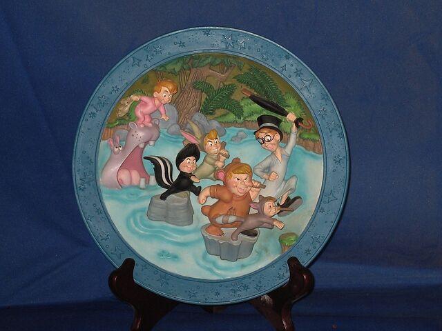 File:Peter Pan decorative plate.jpg