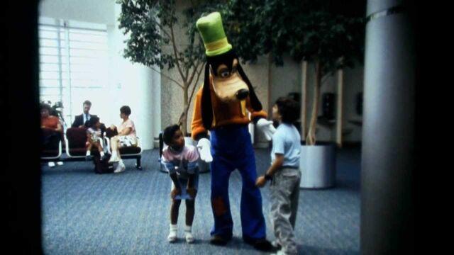 File:Goofy's field trips planes shot.jpg