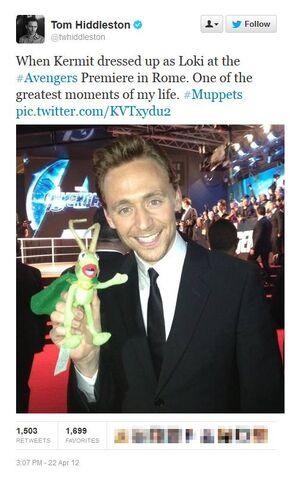 File:Tom Hiddleston Kermit Loki.jpg