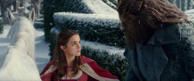 File:Beauty and the Beast - Golden Globe 4.jpg
