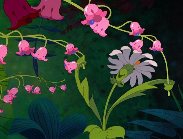 File:Alice-in-wonderland-disneyscreencaps.com-3284.jpg