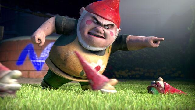 File:Gnomeo-juliet-disneyscreencaps.com-1697.jpg