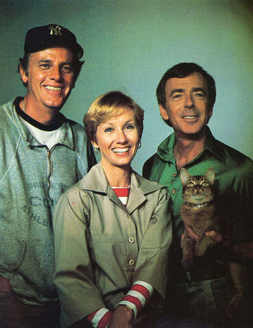 File:The Cat From Outer Space 6.jpg