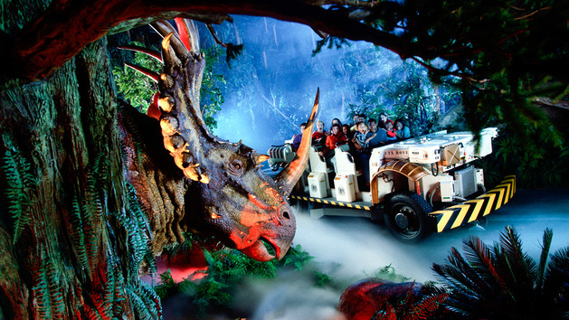 File:Styracosaurus on ride2.jpg