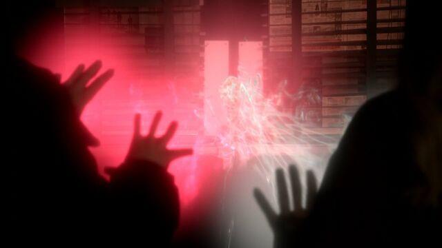 File:Once Upon a Time - 5x20 - Firebird - Emma Regina Magic 2.jpg