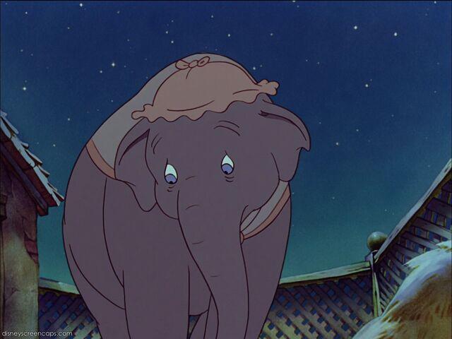 File:Dumbo-disneyscreencaps com-211.jpg