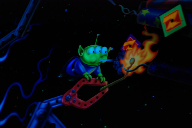 File:Little Green Men Blowin.jpg