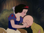 Snow-white-disneyscreencaps.com-9572