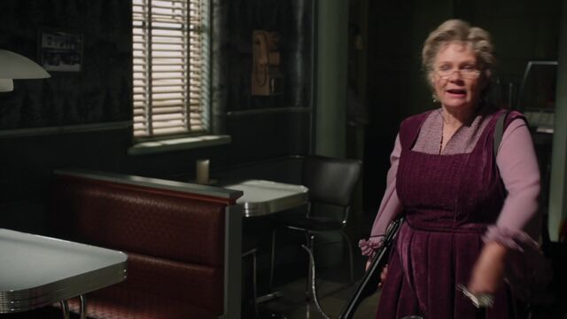 File:Once Upon a Time - 5x08 - Birth - Granny.jpg