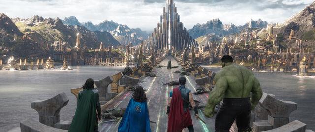 File:Thor Ragnarok 90.jpg