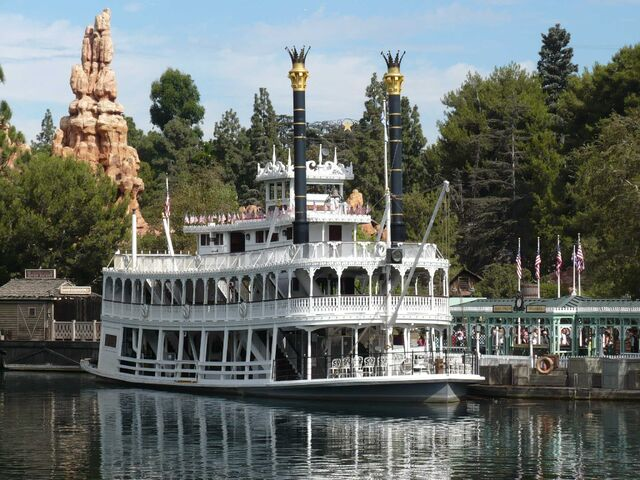File:Mark Twain Riverboat (DL).jpeg
