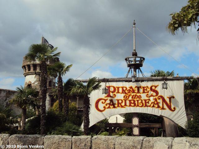 File:Pirates of the Caribbean (DLP).jpg
