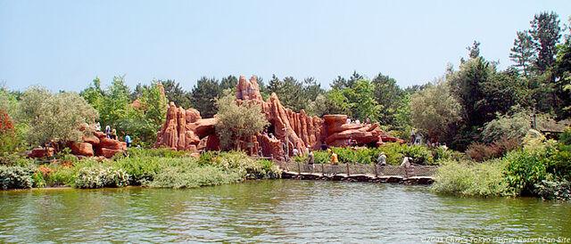 File:Tom Sawyer Island (TDL).jpeg
