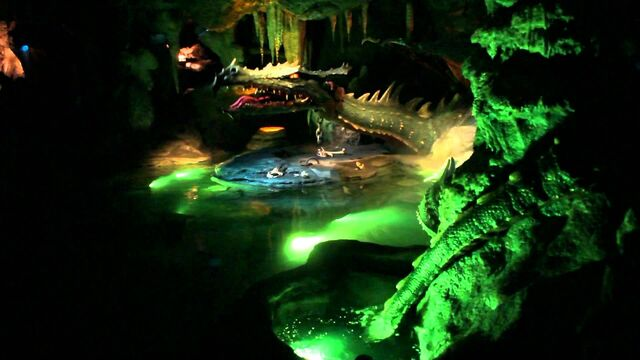 File:La Tanière du Dragon (DLP).jpg