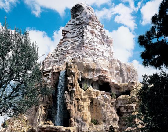 File:Matterhorn Bobsleds (DL).jpeg