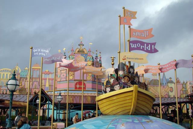 File:It's a Small World Disneyland Paris.jpg
