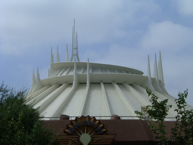 File:Disneyland Aug22 025.jpg