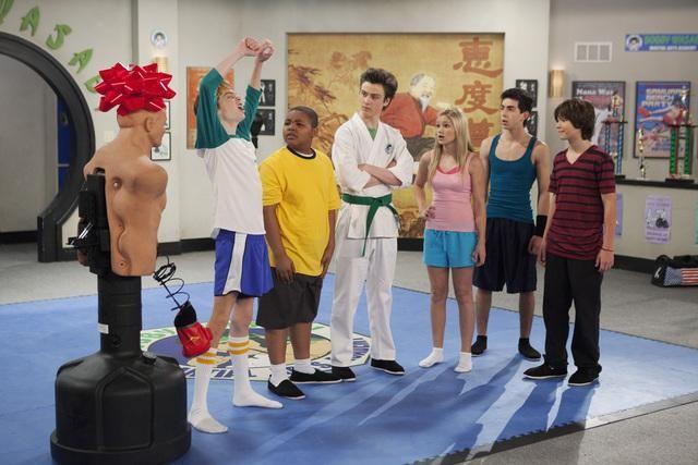 File:Kickin-It-Dojo-Day-Afternoon-kickin-it-23352327-640-427.jpg