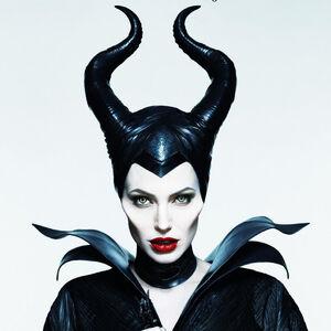 Angelina-Jolie-Learned-Yoga-Maleficent
