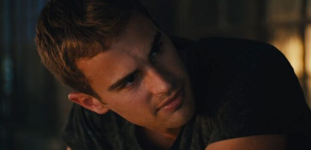 File:Shailene-woodley-theo-james-kiss-in-new-divergent-clip-07.jpg