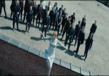 File:Tris jumping.jpg
