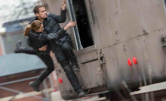 File:Divergent gallery new 04.jpg