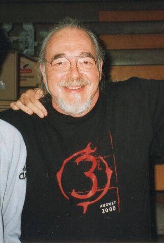 File:Gary Gyax - ModCon 1999 - 1.jpg