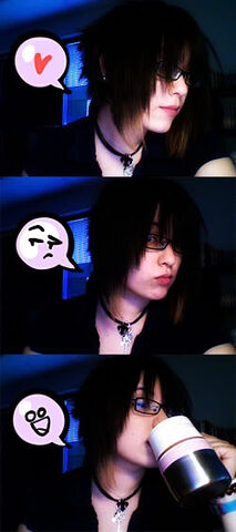 File:Sarah Stone Fayren webcam photos.jpg