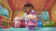 Hallie, lambie, doc and stuffy dancing