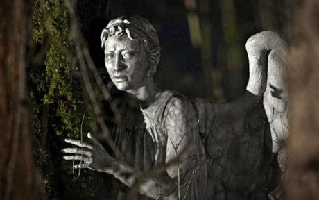 File:Weeping angel 1627630c.jpg
