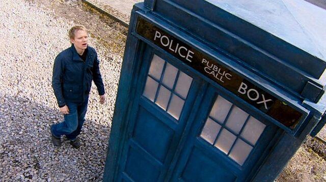 File:Elton and the TARDIS.jpg