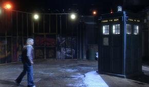 Doctor-who-season-1-1-rose-2