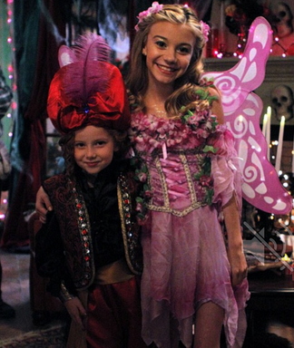 File:Avery and chloe 2.PNG