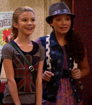File:Avery and lindsay.PNG
