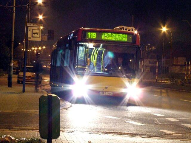 Plik:Autobus 119 Zajednia.jpg