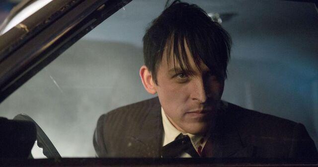 File:Gotham-season-2-spoilers-oswald-cobblepot.jpg