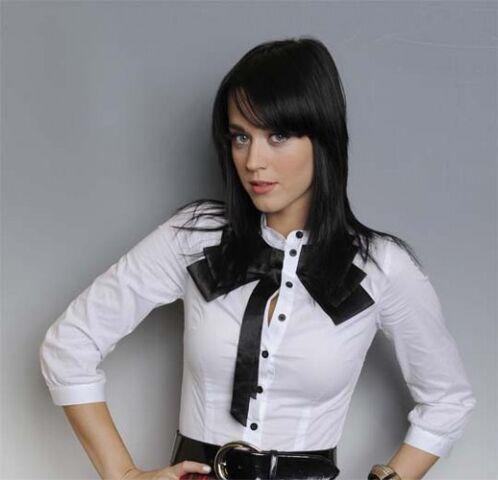 File:Katy-Perry-lg-520x501.jpg