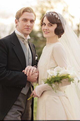 File:Mary Matthew Wedding.jpg