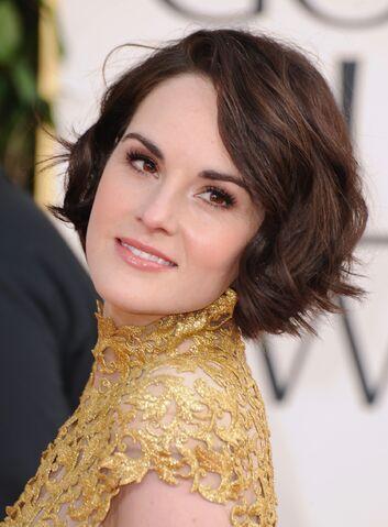 File:Michelle Dockery gold dress short hair.jpg