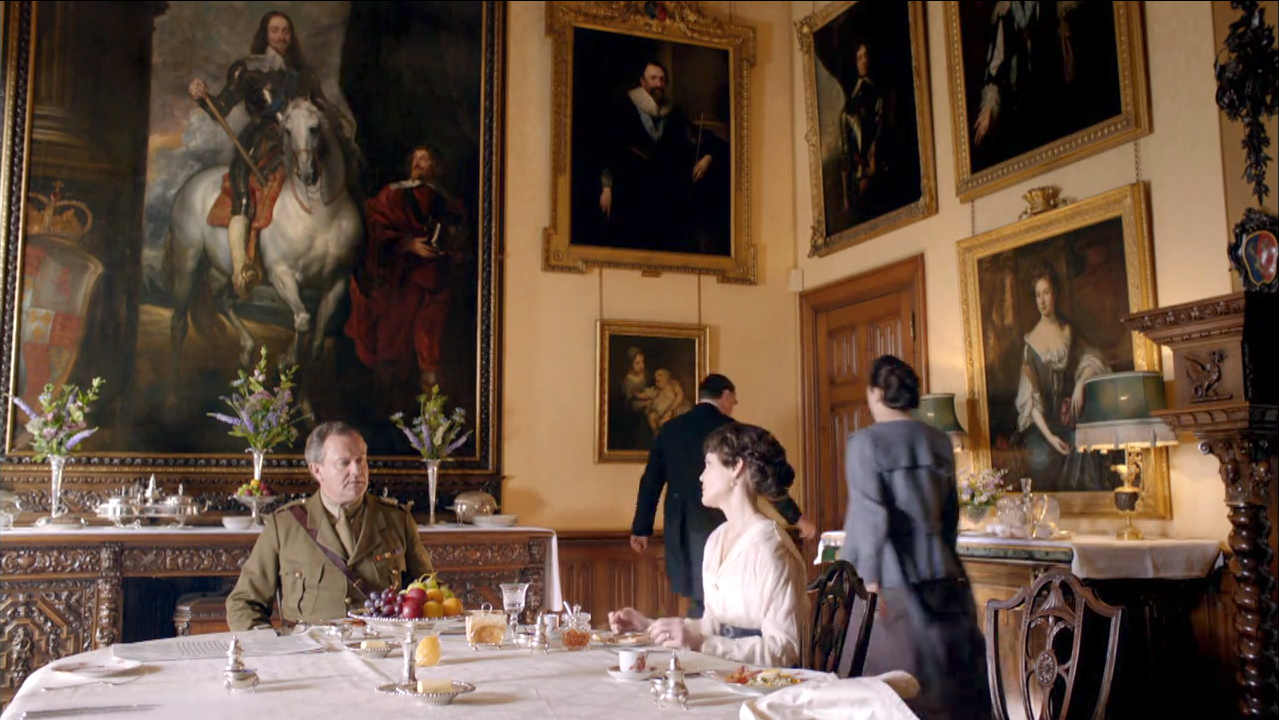 Image highclere castle downton abbey season 2 downton abbey wiki - Chateau downton abbey ...