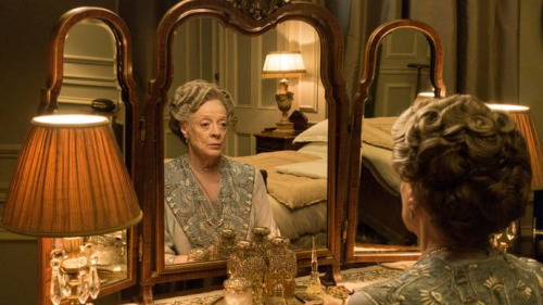 File:Violet crawley series 6.jpg