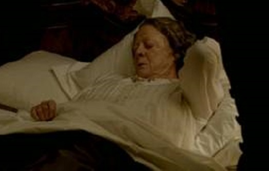 File:Downton-Abbey-The-Dowager-Countess-grows-ill.jpg