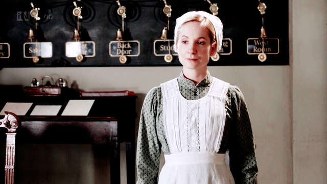 File:Downtonabbey2x01-3.png