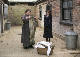 Embargoed downton abbey ep3 04