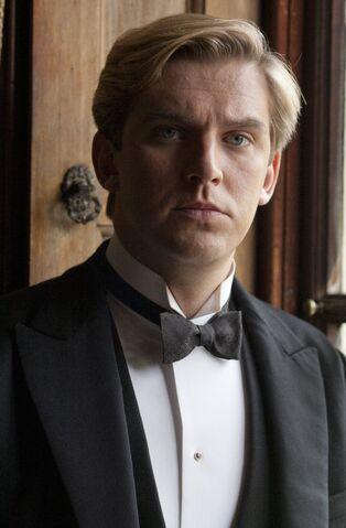File:Matthew in black tie.jpg