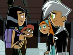 S03e09 Danny and Sam gaze longingly