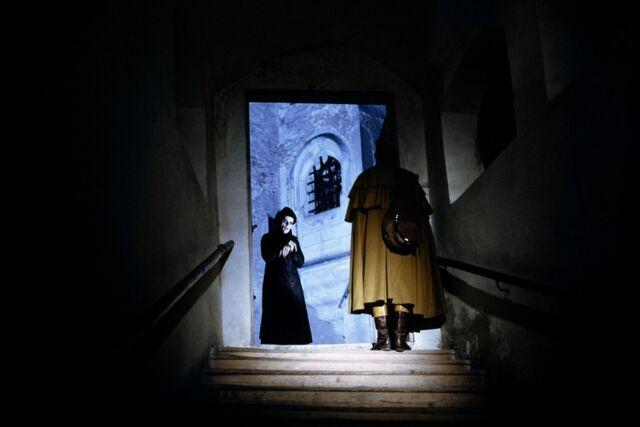 File:Nosferatu-1979-11-g.jpg